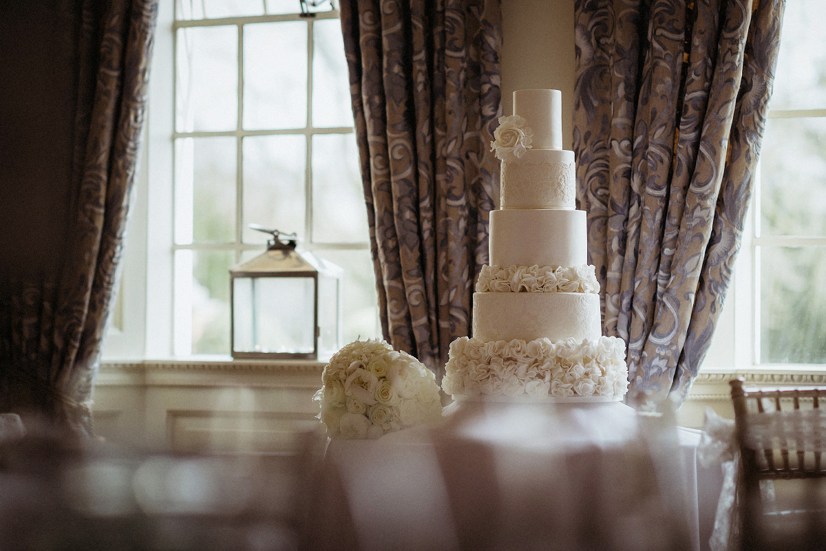 fabulous tall wedding cake