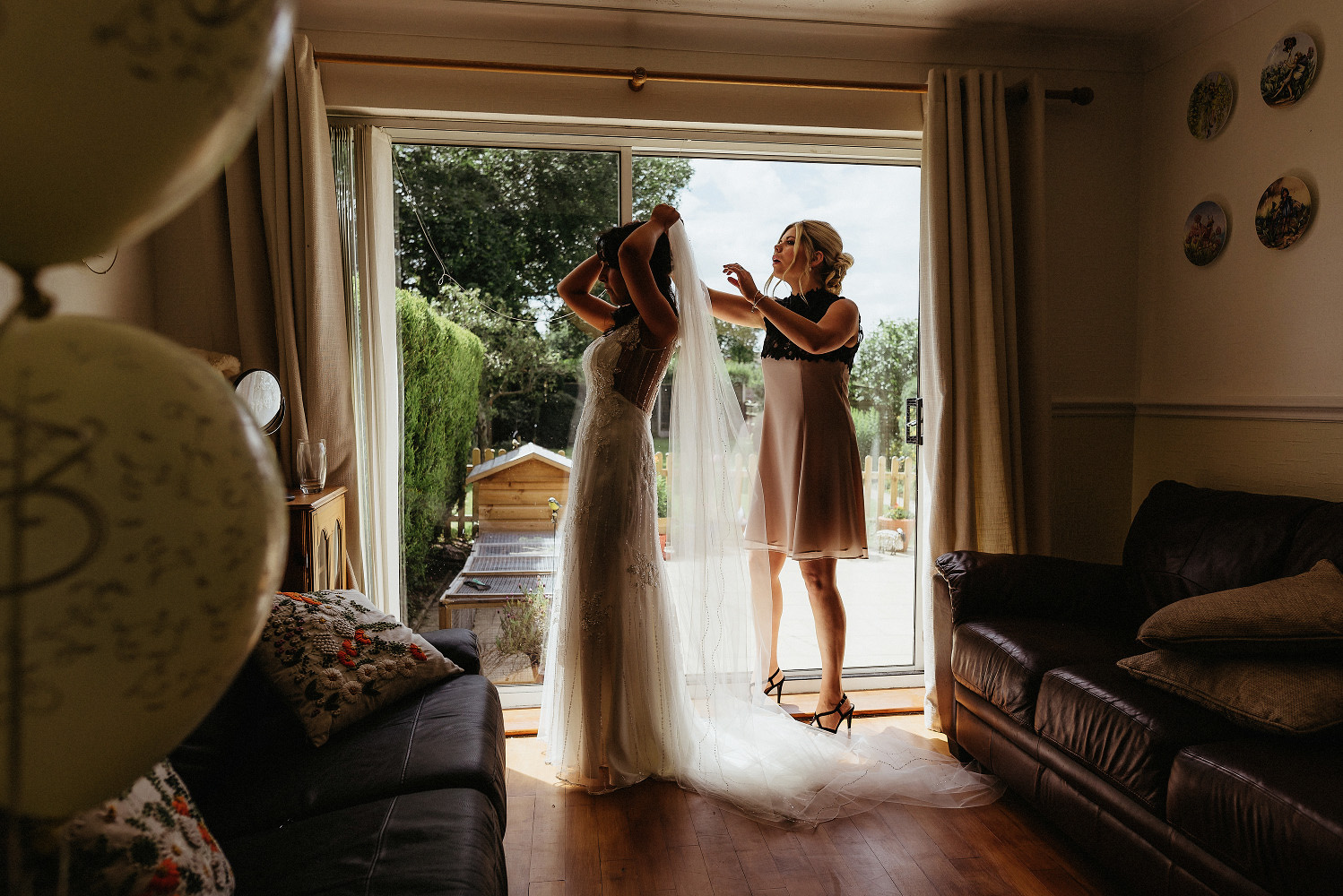final touches to bridal preparation
