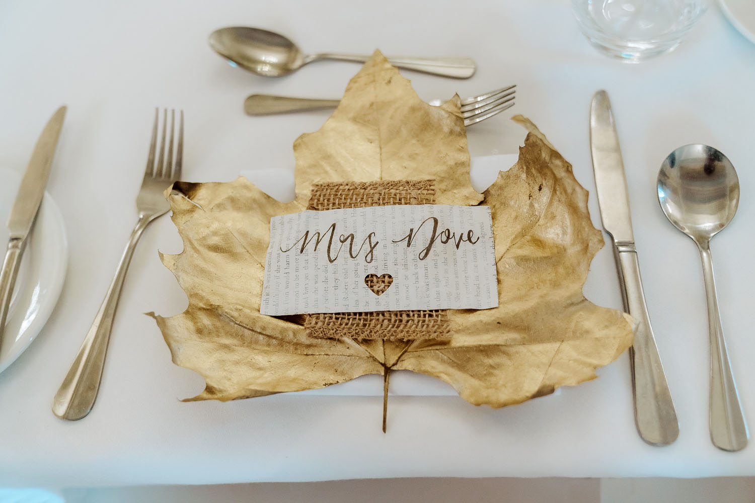 bride gold place setting