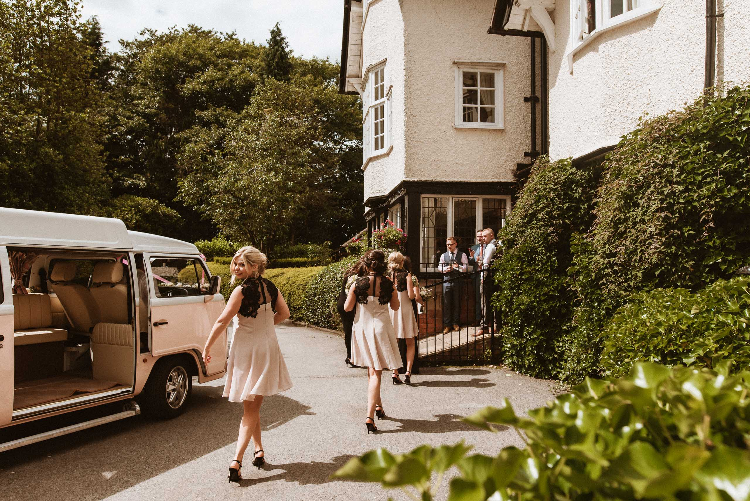 bridesmaids arriving at mere Court